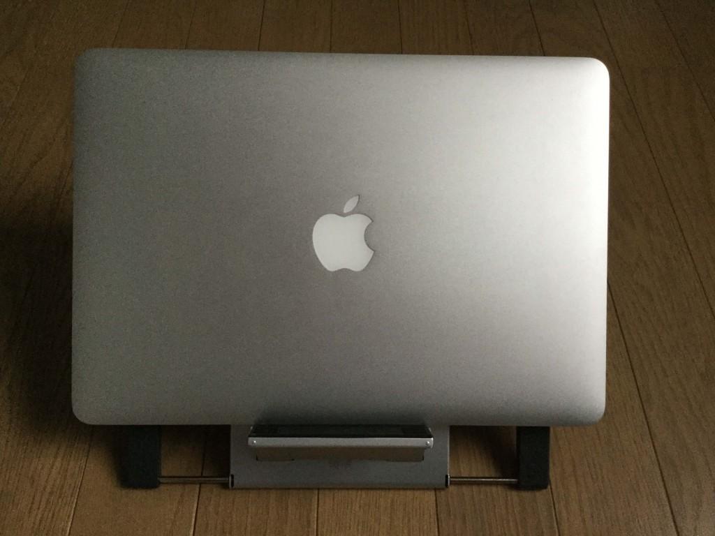 サンワのノートパソコンスタンド iPadスタンド ノートPCを設置