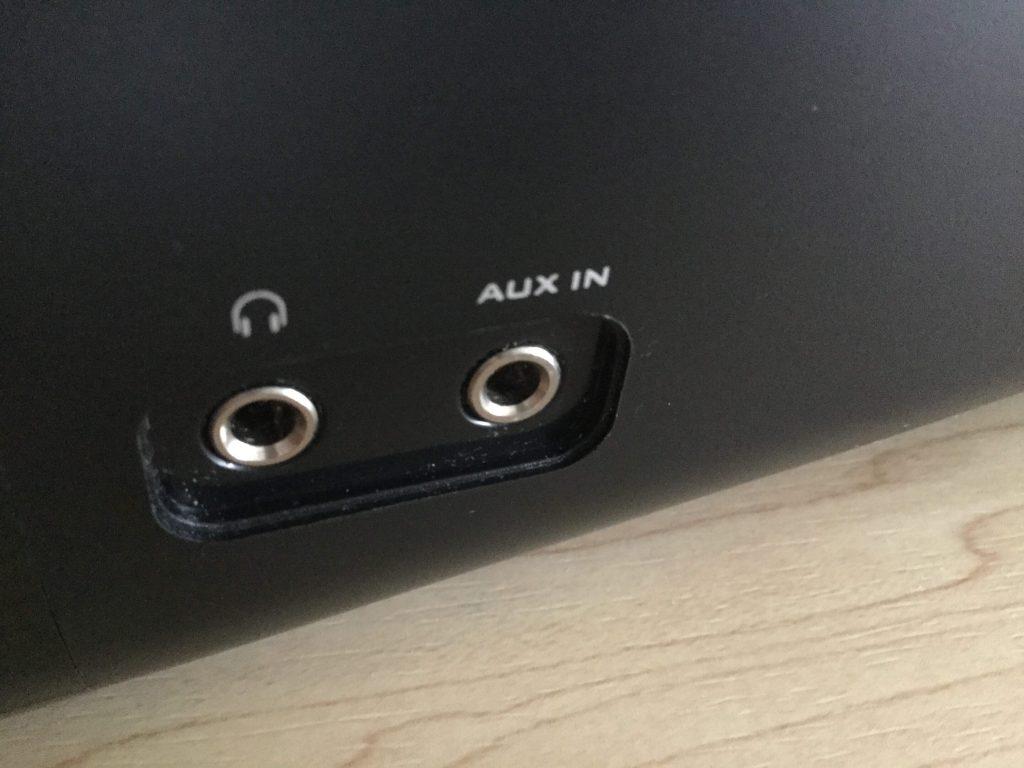 Creative Inspire T10 IN-T10 ヘッドフォン出力とAUX入力