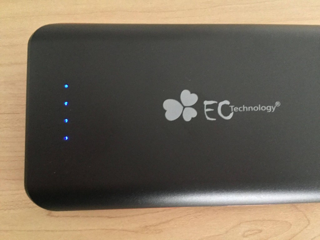 EC-Technology-POWERBANK  22,400mAh 1ランプあたり5,600mA