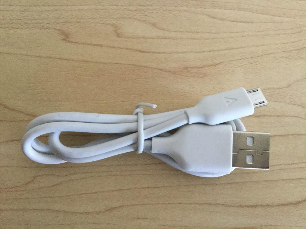 Anker Astro E1 5200mAh 充電または給電用のマイクロUSBケーブル