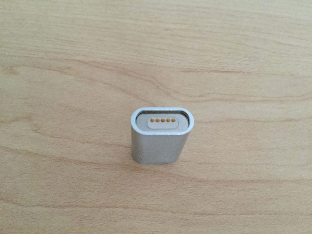 マグネット式 Micro USB 変換 FIRST2SAVVV アダプタのマグネット部分