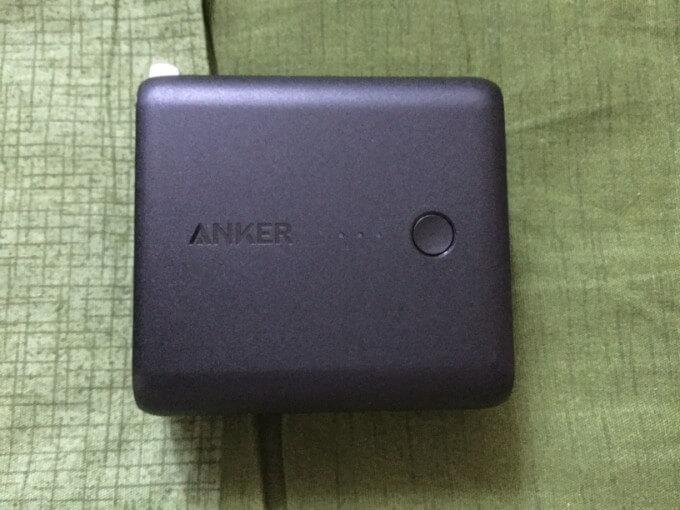 Anker PowerCore Fusion 5000 手にすっぽり入るぐらいのサイズ