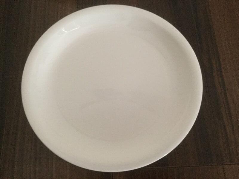 カルラ レンジ食器シリーズ 大皿26cm 耐熱温度140℃ 108円