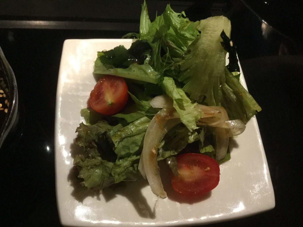 壱鉄 上野御徒町店 (いってつ) ジンギスカン コースでは前菜がくる
