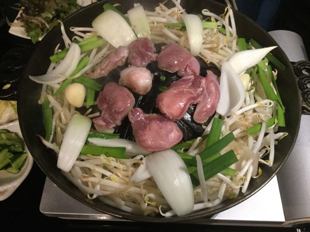 壱鉄 上野御徒町店 (いってつ) ジンギスカン お肉を焼く