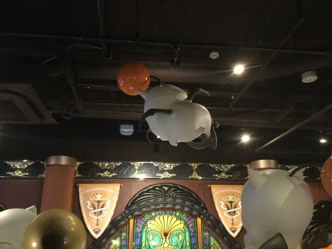 エオルゼアカフェ モーグリとカーラインカフェのステンドグラスデザイン
