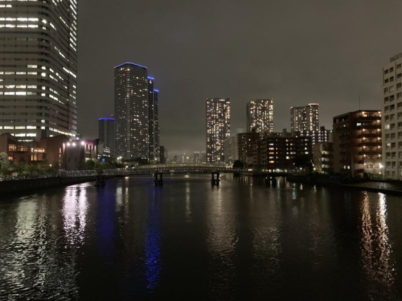 iPhone XS 夜でもはっきりと建物などが見える