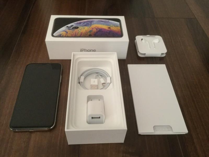 iPhone XS 内容物