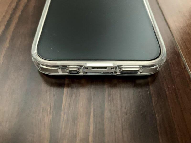 iPhone 12 mini ケースを付けた下側