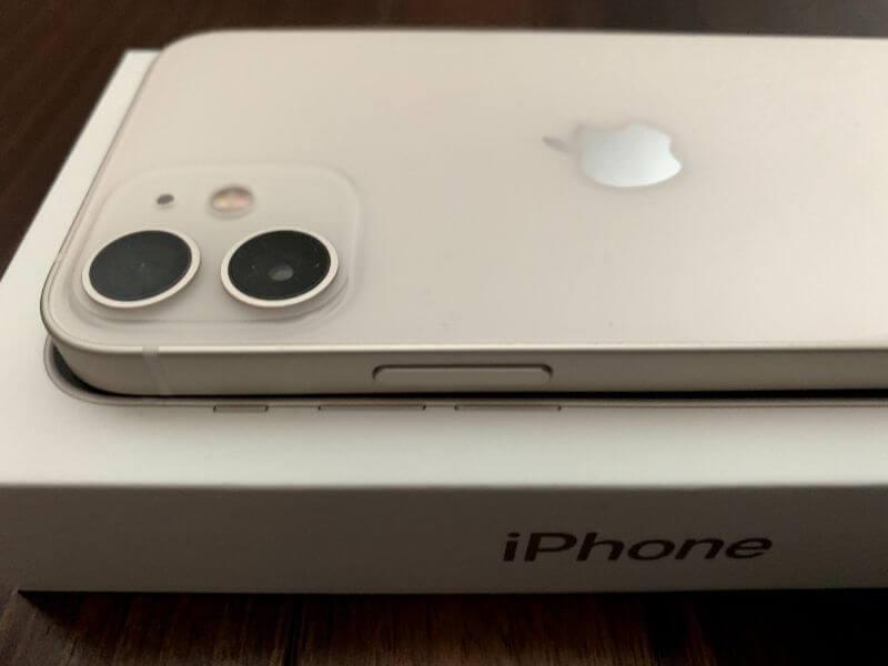iPhone 12 mini 右側に電源ボタン
