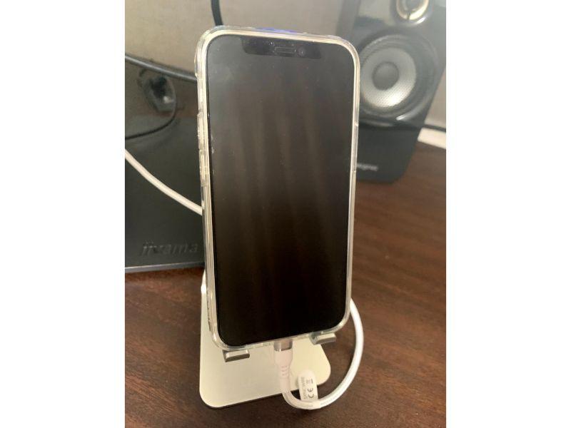 Syncwire iPhone充電ケーブル ケーブルは2mと長いのでスタンドホルダーと合う